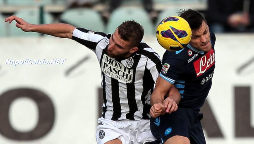 Siena-Napoli 0-2, Maggio e Cavani sbloccano la partita