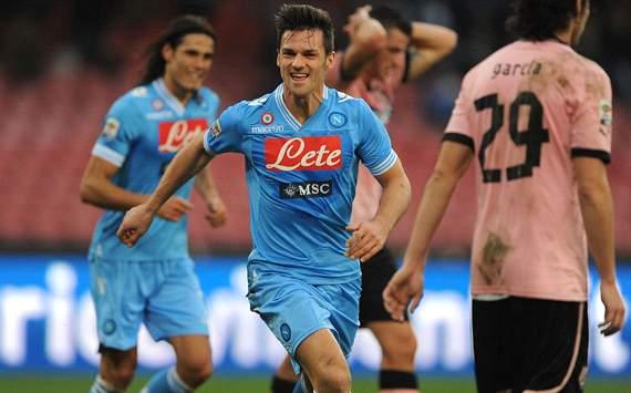 Maggio segna il primo goal in Napoli-Palermo 3-0