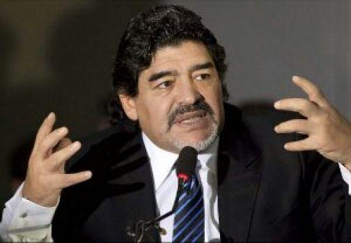 Maradona fa causa al Napoli