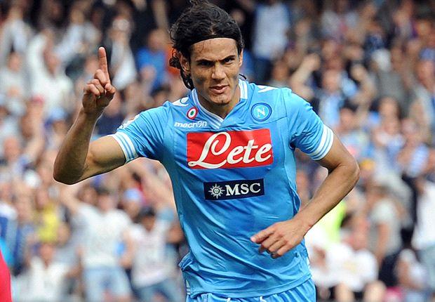 Calciomercato Napoli, per Cavani si scalda la pista Psg, De Laurentiis a colloquio con Leonardo