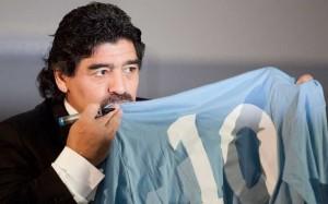 Maradona ambasciatore del Napoli nel mondo