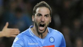Higuain gode a Torino