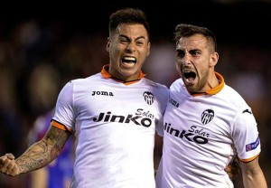 Edu Vargas con la maglia del Valencia