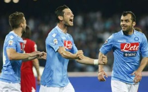 Mertens, Dzemaili e Pandev i tre marcatori in Napoli-Cagliari