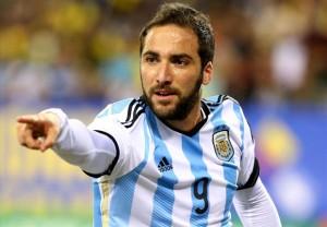 Higuain con la maglia dell'Argentina