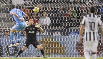 Higuain ne fa 2 alla Juve e regala la Supercoppa al Napoli