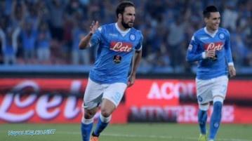Higuain e Callejon in Napoli-Lazio 5-0