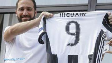 Lo sfregio di Higuain
