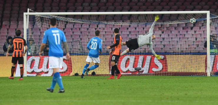 Napoli-Shakhtar 3-0: ucraini bombardati nel secondo tempo, ottavi possibili