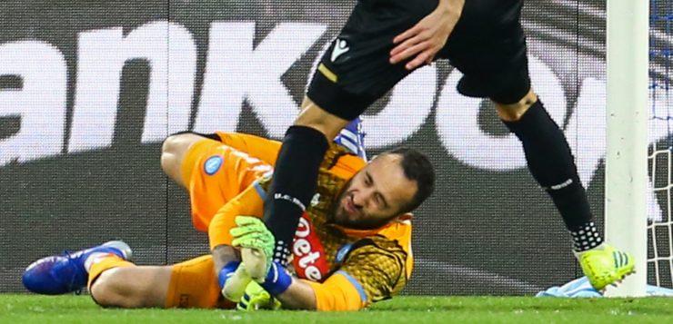 Napoli-Udinese, Ospina sviene in campo: portato via in ambulanza