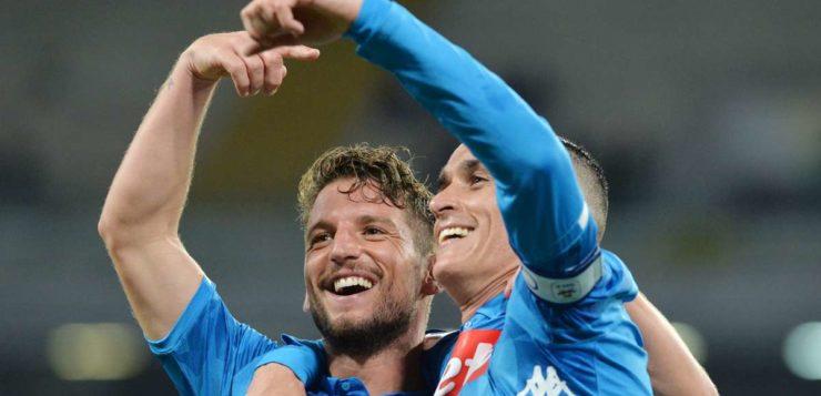 Calciomercato Napoli, Callejon: Mertens vuole convincerlo a restare